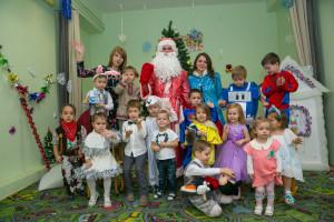 Вот так встретила новый год Академия развития с детками из групп неполного дня,логопластика и мир детства.